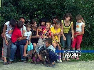 В Таловой чествуют приемные семьи