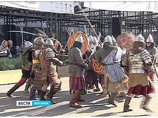 """В """"Центре Галереи Чижова"""" прошла реконструкция Куликовской битвы"""