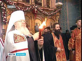 В Воронеж в пасхальную ночь доставят благодатный огонь из Иерусалима