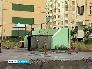 В Воронеже дворник нашёл мёртвого новорожденного мальчика в мусорном контейнере
