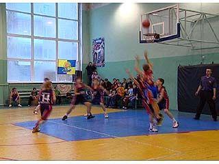 В Воронеже финишировал молодежный турнир по баскетболу
