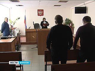 В Воронеже началось оглашение приговора Анатолию Чекменеву