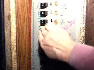 В Воронеже нужно менять каждый третий лифт