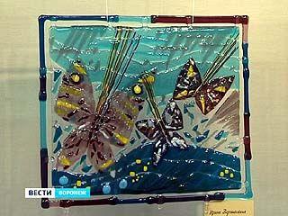 В Воронеже открылась выставка художественного стекла