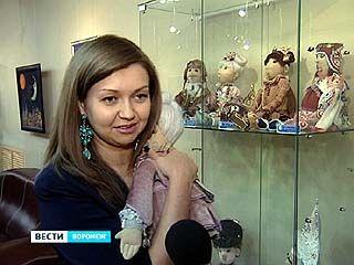В Воронеже открылась выставка новогодних кукол