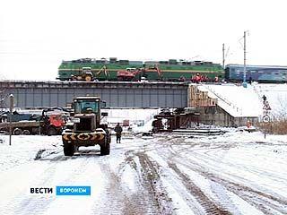 В Воронеже перекрыто движение транспорта на дороге вдоль реки Песчанка
