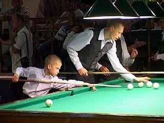 В Воронеже проходят отборочные игры по бильярду