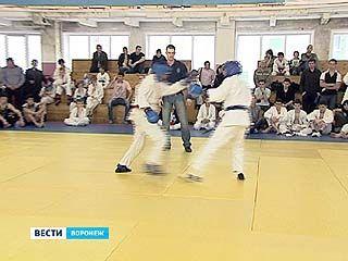 В Воронеже прошел межрегиональный турнир по рукопашному бою