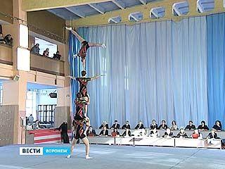 В Воронеже прошёл чемпионат России по акробатике