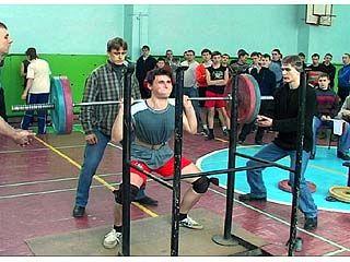 В Воронеже прошли вторые городские соревнования по силовому троеборью