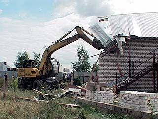 В Воронеже снесли первую незаконную постройку