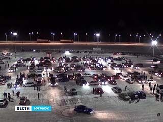 В Воронеже собрали новогоднее поздравление из 300 автомобилей