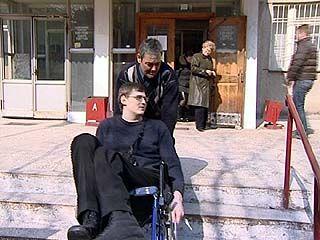 В Воронеже совершенно нет приспособлений для инвалидов-колясочников