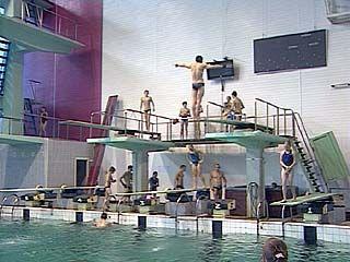В Воронеже стартовали областные соревнования по прыжкам в воду