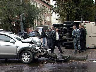 В Воронеже внедорожник протаранил инкассаторскую машину