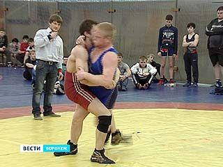 В Воронеже завершился чемпионат области и первенство города по греко-римской борьбе