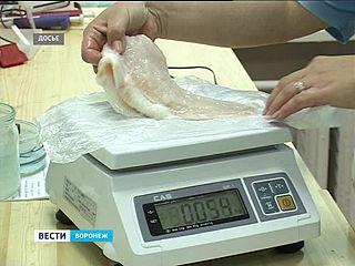 В воронежских магазинах инспекторы Роспотребнадзора нашли лёд по цене морепродуктов