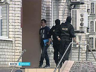 В Воронежском управлении федеральной миграционной службы проходит обыск