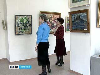 В зале Союза художников открылся весенний вернисаж