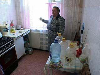 В Зареченске люди уже месяц живут без воды