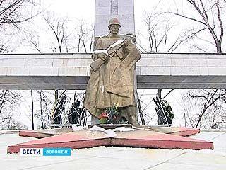 Вечные огни в День освобождения Воронежа большая редкость в районах
