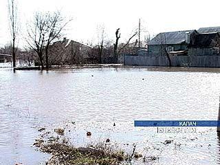 Весенний паводок добавил работы спасателям