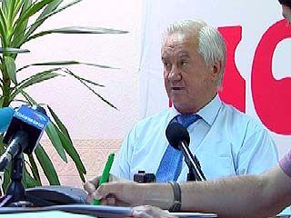 Владимир Кулаков отвечал на вопрсы в редакции газеты