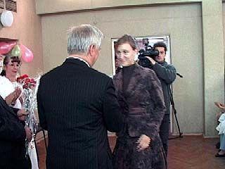 Владимир Кулаков посетил Областной родильный дом