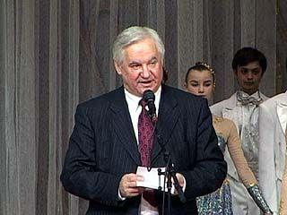 Владимир Кулаков поздравил сотрудников милиции с праздником