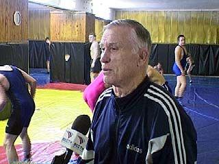Владимир Скуднев готовит тяжеловесов уже несколько лет