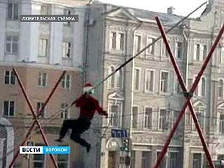 Во время выступления на площади Ленина сорвался канатоходец Эдуард Мустафаев