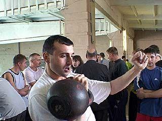 Военнослужащие из 12 городов примут участие в соревнованиях по гиревому спорту