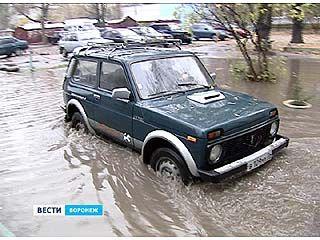 Воронеж затапливают дождевые воды