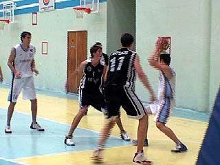 Воронежские баскетболисты встретились с командой из Белгорода