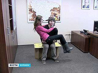 Воронежские изобретатели сконструировали мебель из сверхпрочного картона