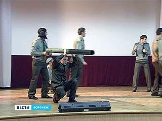 Воронежские курсанты уезжают покорять Москву чувством юмора