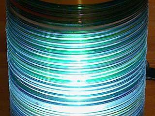 Воронежские оперативники обнаружили склад контрафактных дисков
