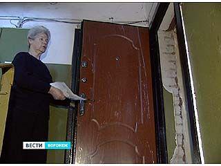 Воронежские пенсионеры переплачивали за установку дверей