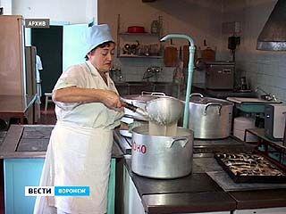 Воронежские школы закупали просроченные продукты, да еще и по завышенным ценам