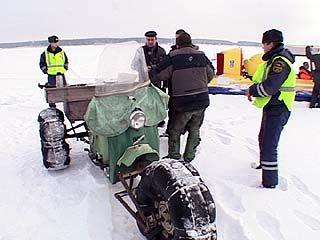 Воронежские спасатели уговаривают рыбаков не выходить на лед