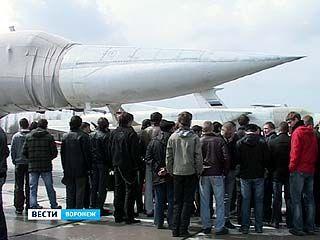 Воронежских призывников заманивают в армию самолётами
