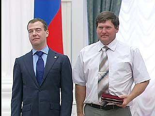 Воронежский комбайнер в Кремле получил из рук президента почетный знак