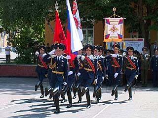 Воронежское авиационное училище получило новое боевое знамя