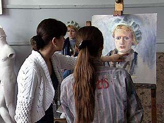 Воронежское художественное училище встретит 35-летие в старом статусе