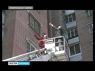 Воронежцы еще не разучились лазить в окна к любимым женщинам