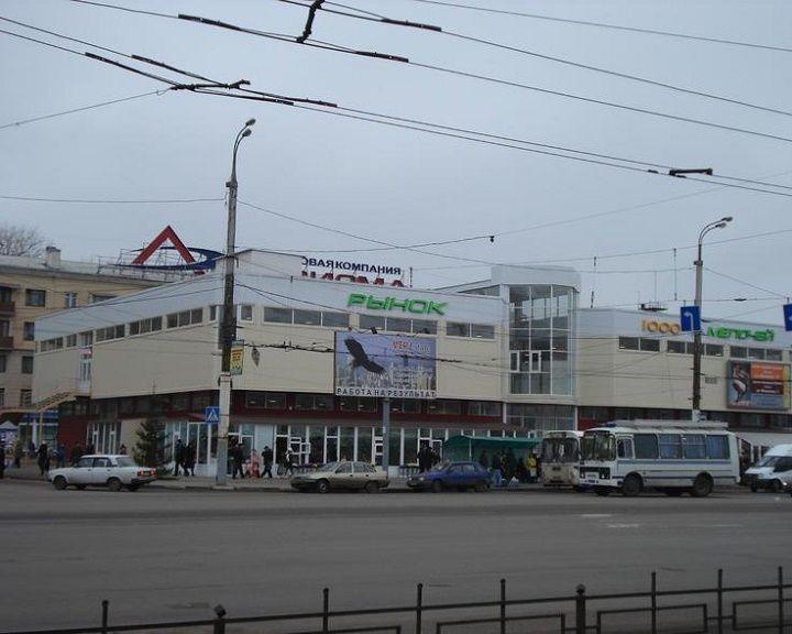 Воронежцы задыхались на рынке «1000 мелочей» из-за наркомана, прыснувшего перцовым баллончиком