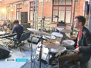 Восемь часов музыки в самом центре Воронежа