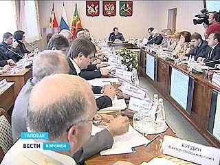 Выездное совещание правительства области прошло в Таловой