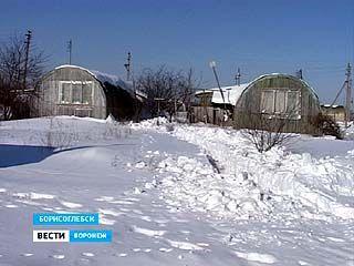 Вынужденные переселенцы до сих пор живут в алюминиевых бочках