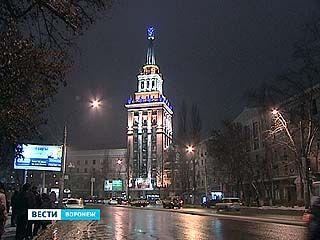 Высотку на Ворошилова оснастили декоративной подсветкой
